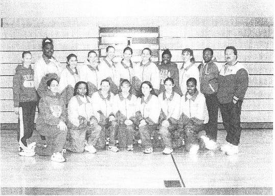 Buena 1998-99 indoor track team