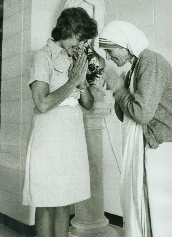 Patrica Kump with Mother Teresa