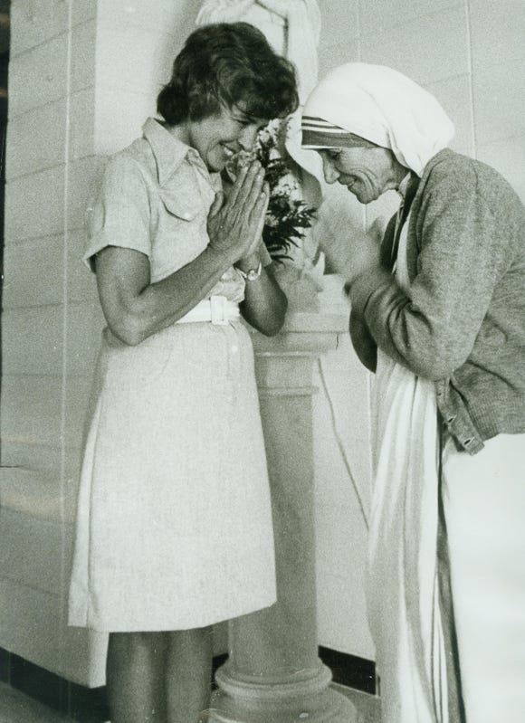 Patrica Kump with Mother Teresa