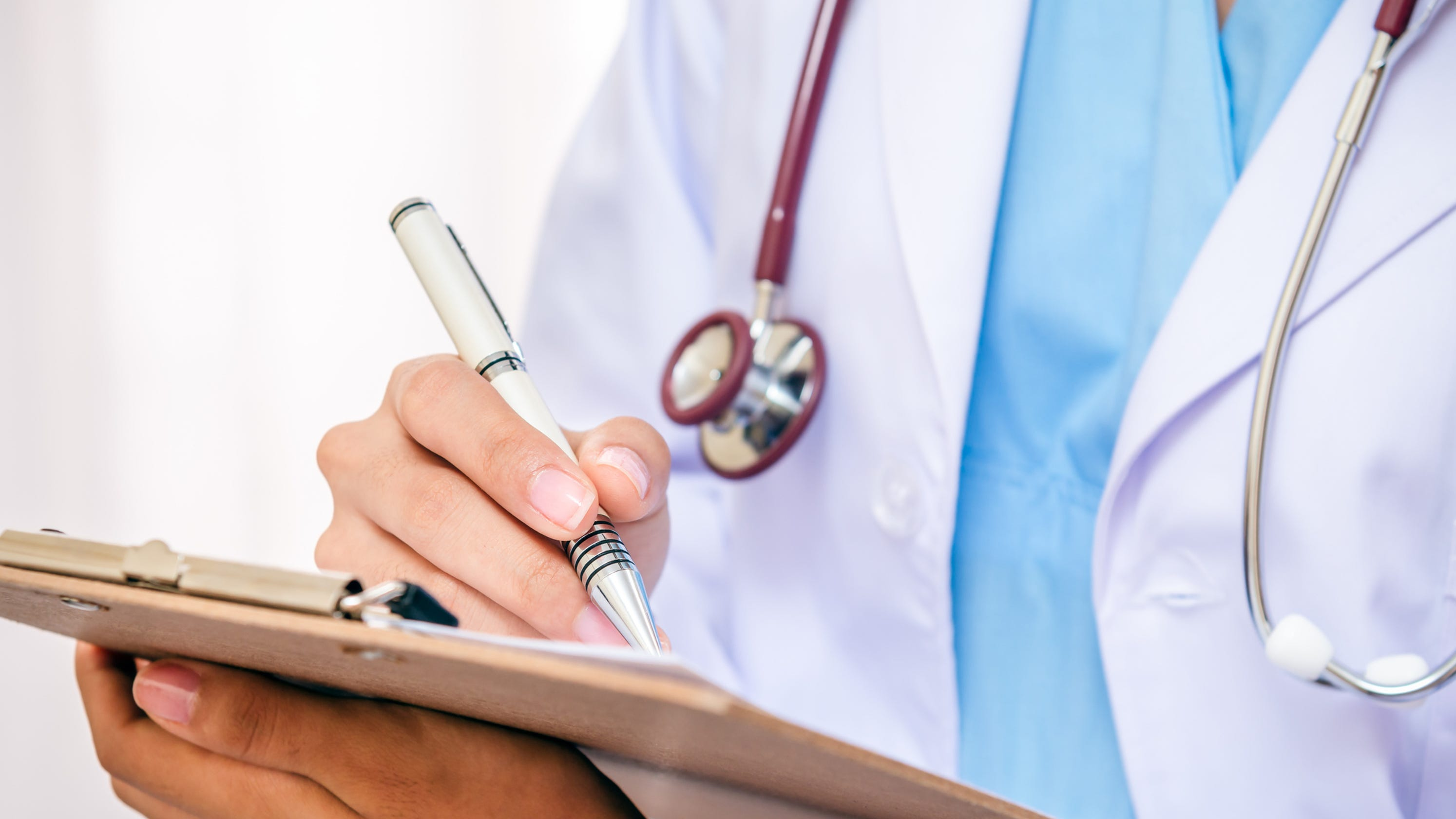 Former Kentucky nurse practitioner sued over hormone therapy