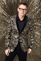 """Bobby Bones has made it to the """"DWTS"""" finals. But can he win the mirrorball trophy?"""