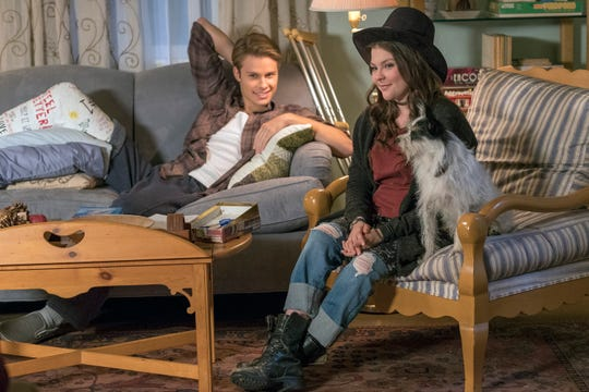 """Kevin (Logan Shroyer) and Kate (Hannah Zeile) on """"This Is Us."""""""