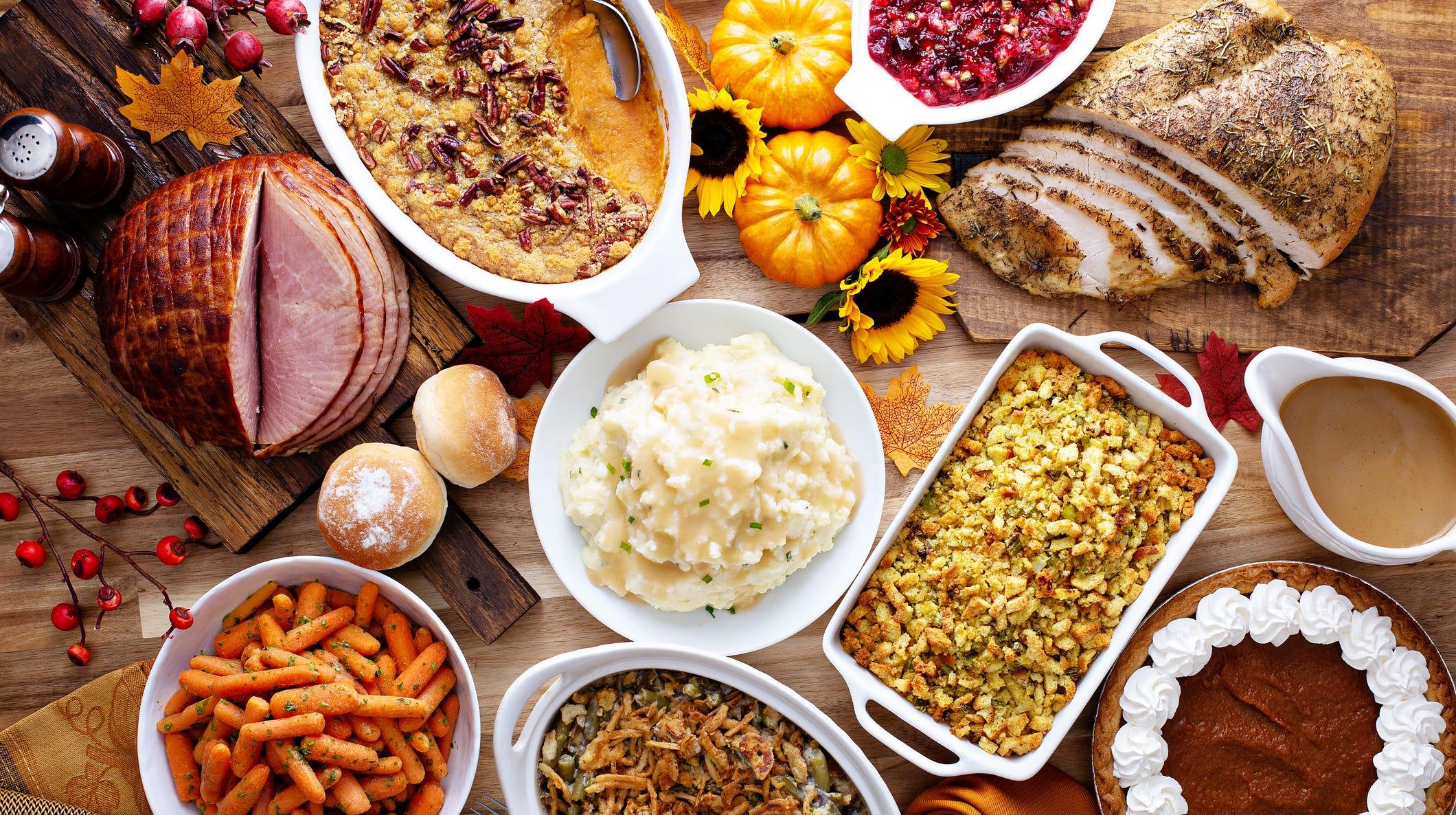 Thanksgiving restaurants open: Applebee's, Cracker Barrel, Starbucks