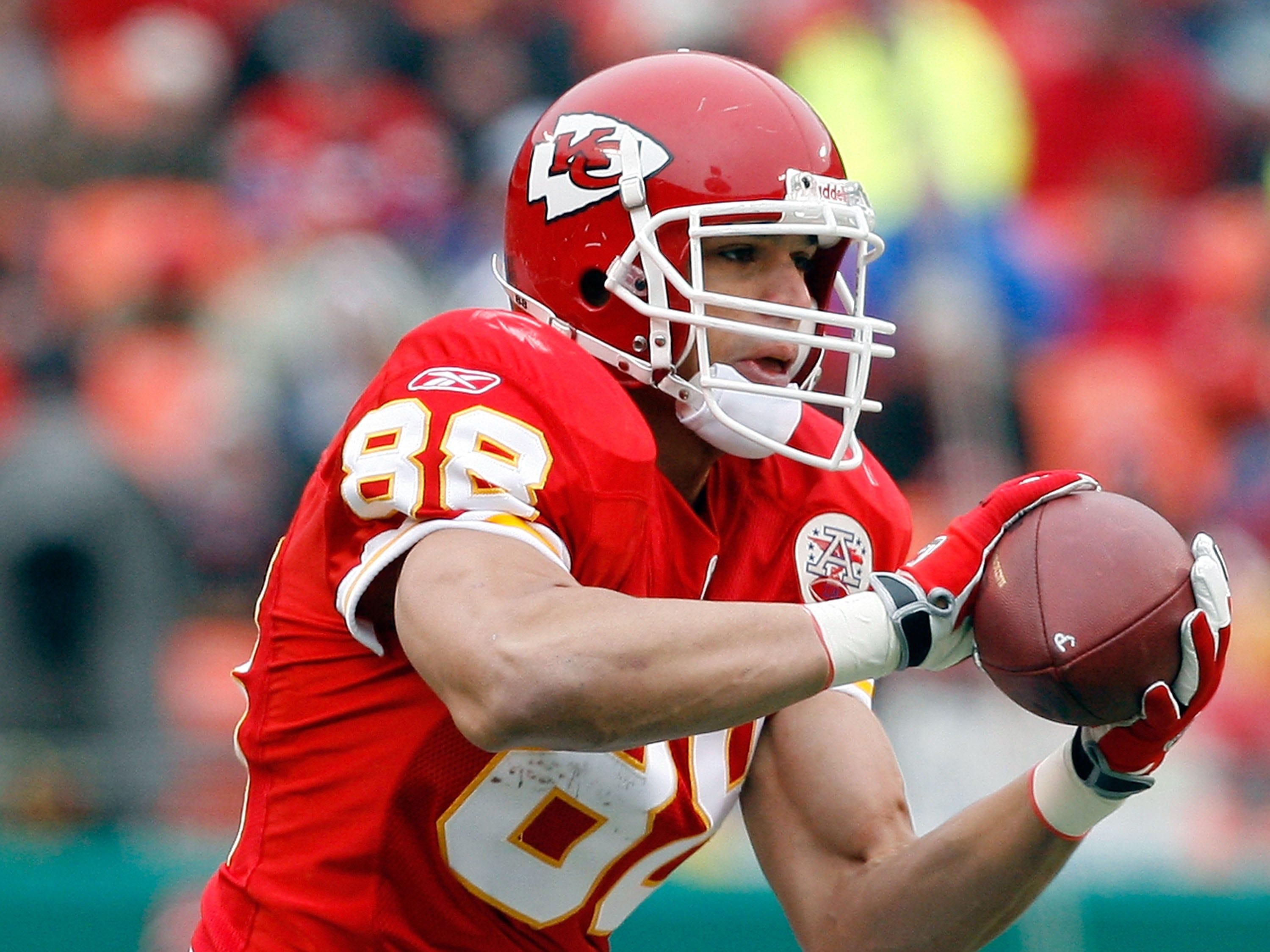 Tony Gonzalez, TE – 1997-2008 Kansas City Chiefs, 2009-2013 Atlanta Falcons