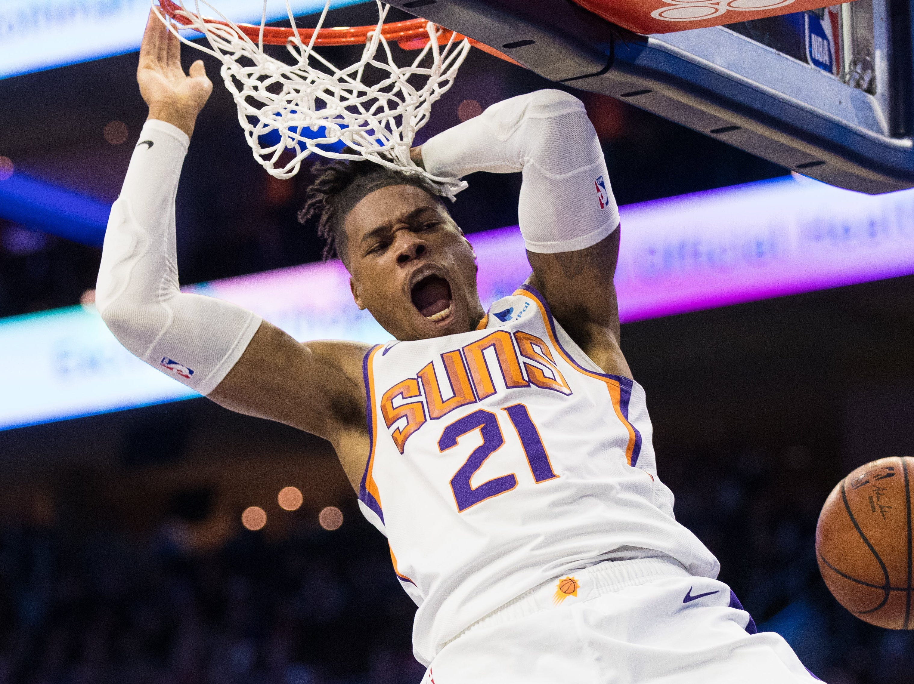 Nov. 19: Phoenix Suns forward Richaun Holmes reacts as he dunks against the Philadelphia 76ers during the first quarter at Wells Fargo Center.