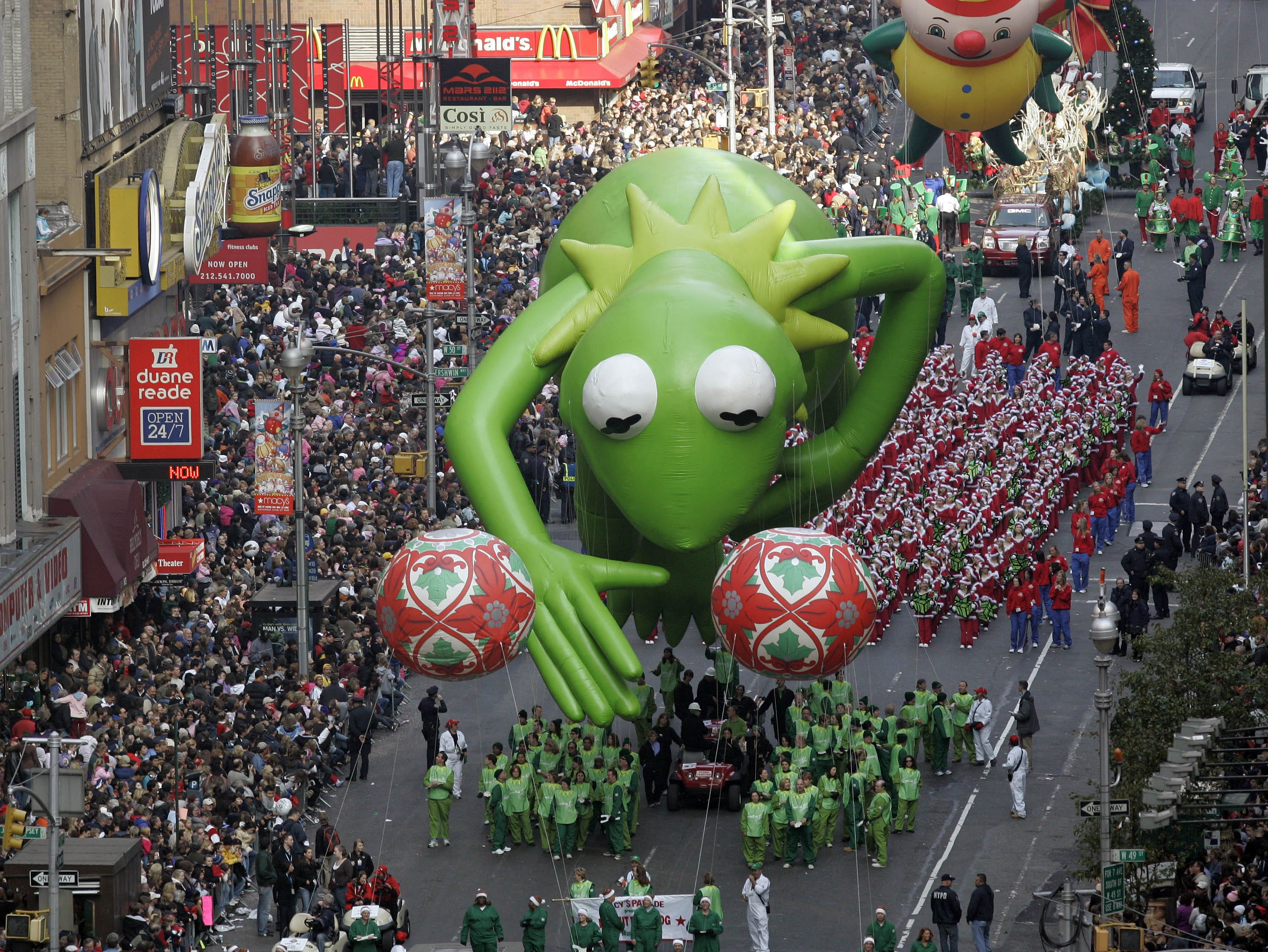 The Kermit the Frog balloon makes its way down Broadway during the Macy's Thanksgiving Day parade in New York, Thursday, Nov. 22, 2007.     (AP Photo/Jeff Christensen)
