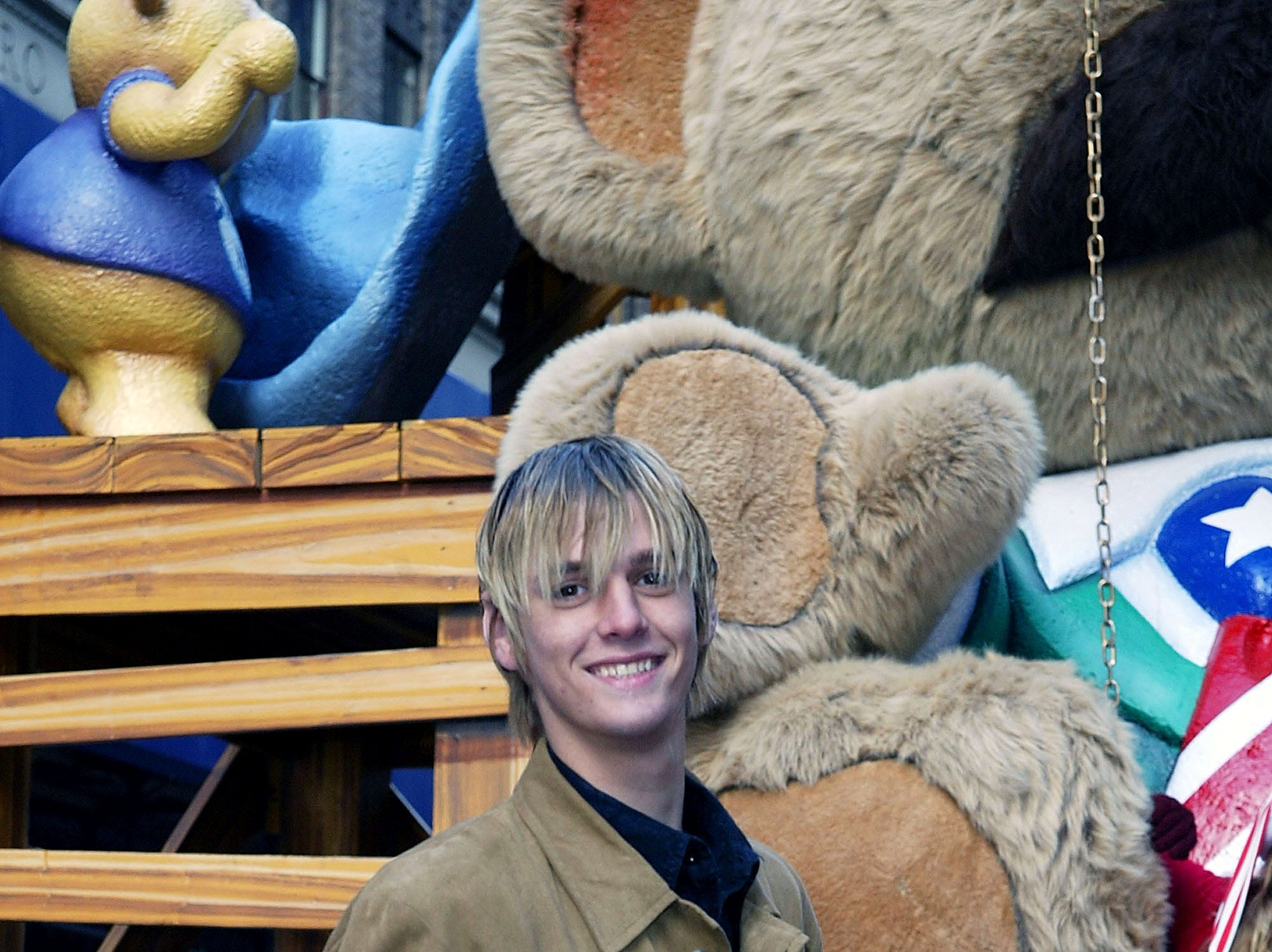 NEW YORK - NOVEMBER 27: Singer Aaron Carter participates in The 77th Annual Macys Thanksgiving Day Parade on November 27 2003 in New York City.   (Photo by Matthew Peyton/Getty Images) *** Local Caption *** Aaron Carter