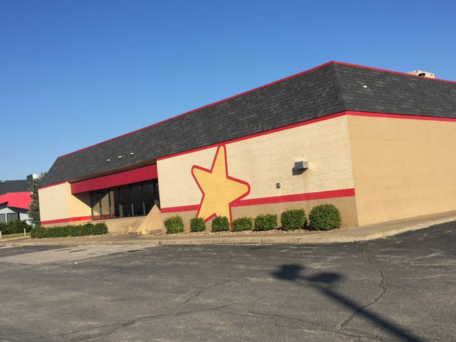 Hardee's on U.S. 41 north of Lynch Road has closed. It's the second Hardee's in Evansville to shut down this year.
