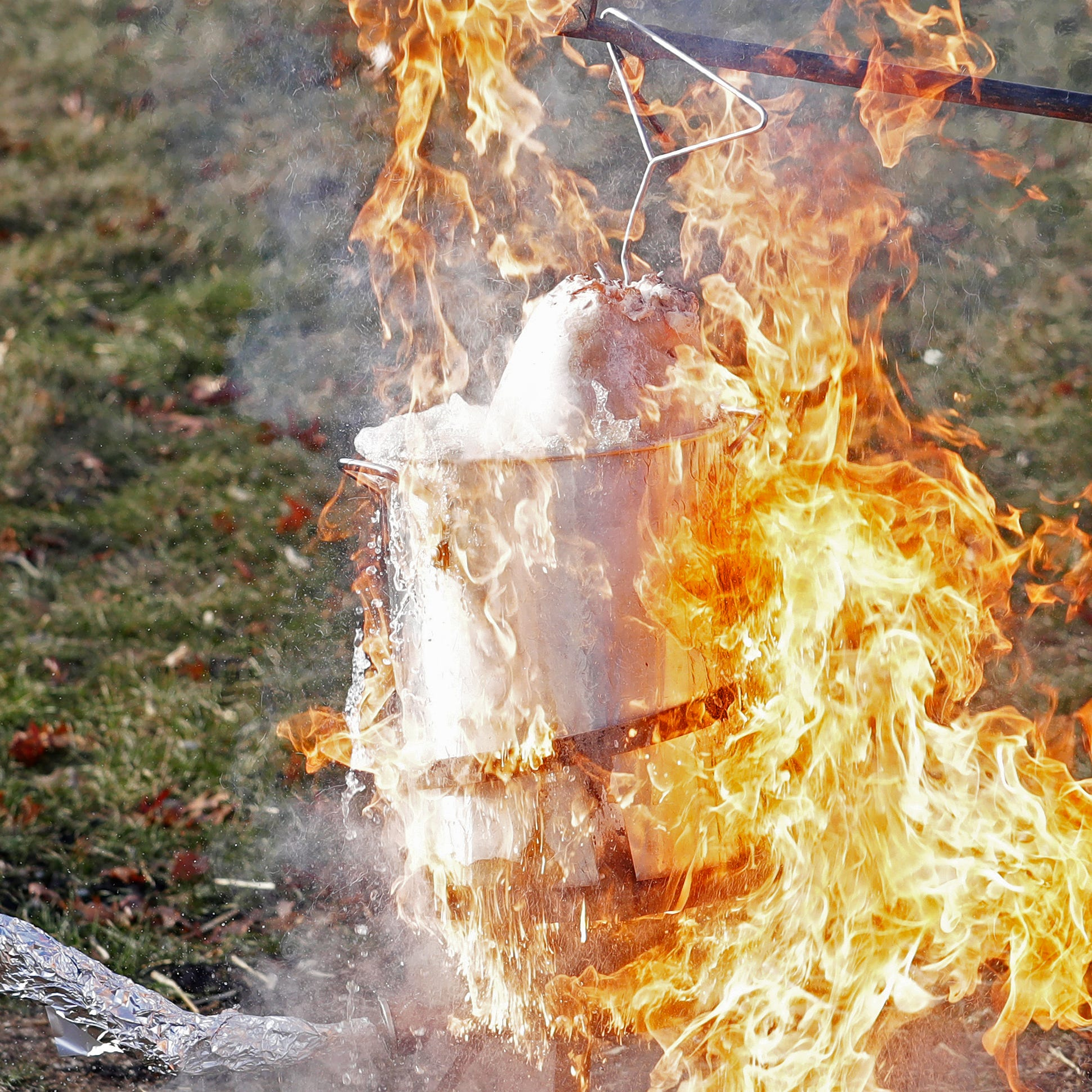 Turkey Day is here. Here's how to avoid setting your Thanksgiving feast on fire