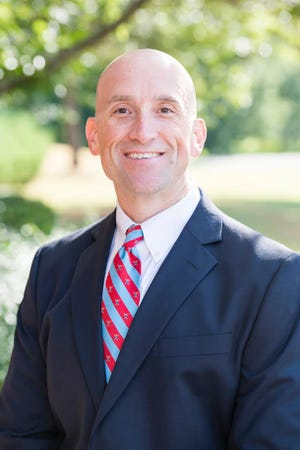 USJ names Don Roe as its next Head of School.