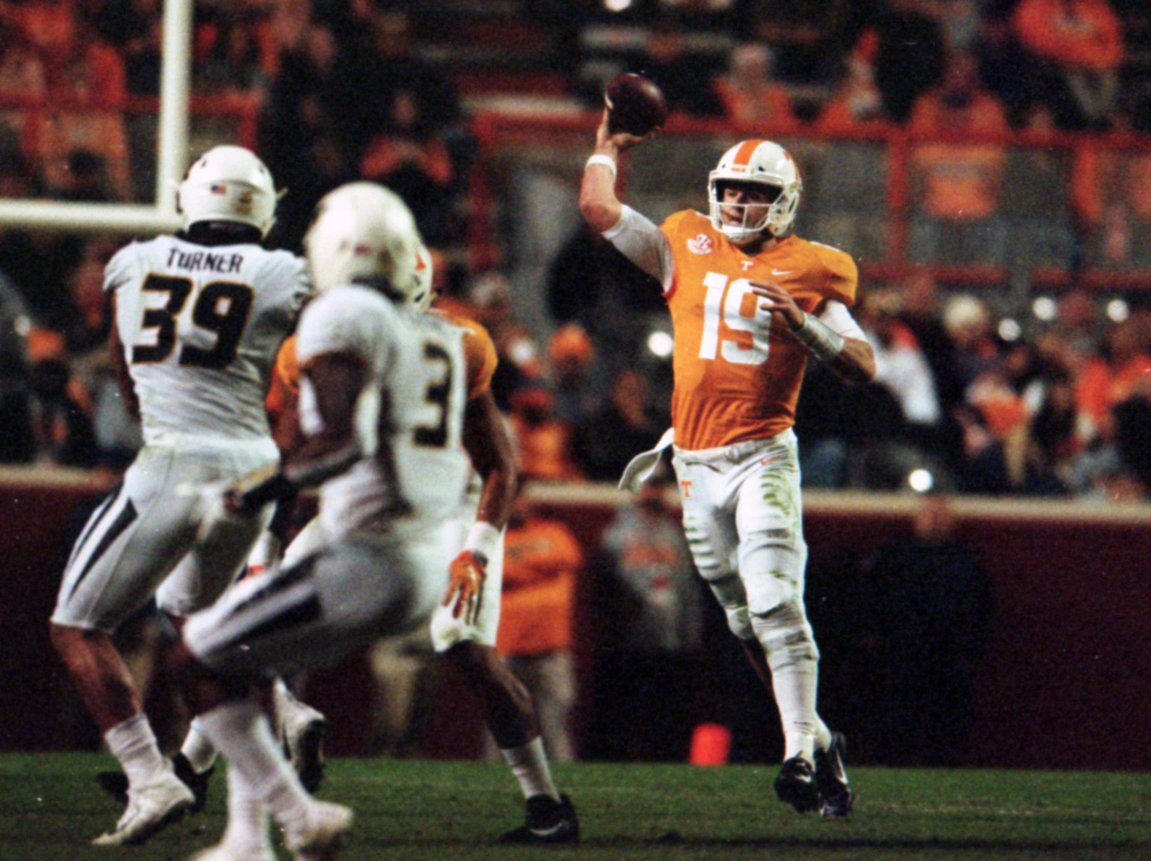Tennessee quarterback Keller Chryst (19) throws a pass during a game between Tennessee and Missouri at Neyland Stadium in Knoxville, Tennessee on Saturday, November 17, 2018.
