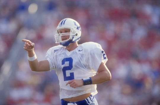 Tim Couch points during UK's 1998 win over Louisville.