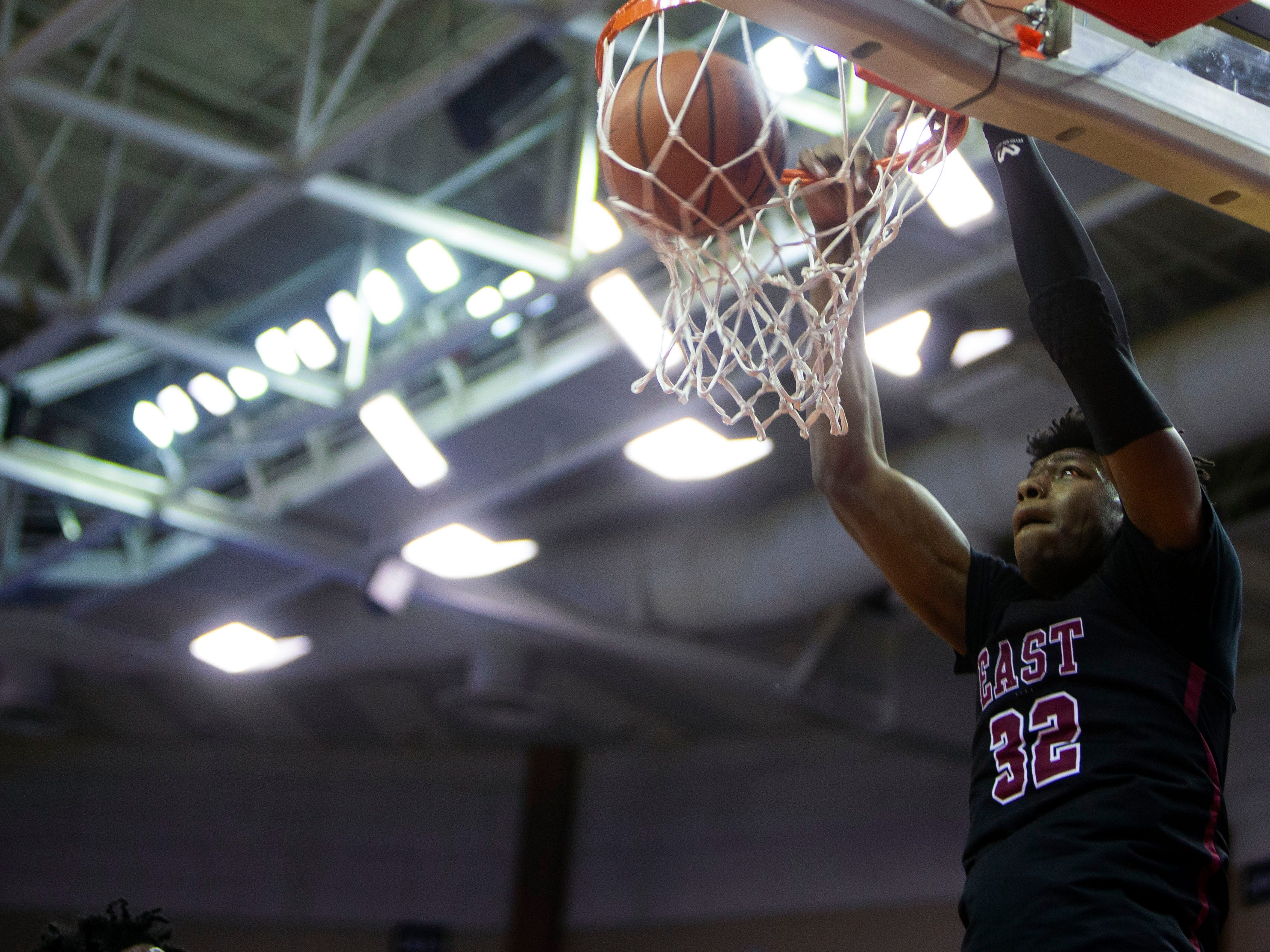 East Memphis Mustangs forward James Wiseman (32) dunks in the first half during a game against the Olive Branch Conquistadors Tuesday, Nov. 20, 2018 at the Landers Center in Southaven Miss.