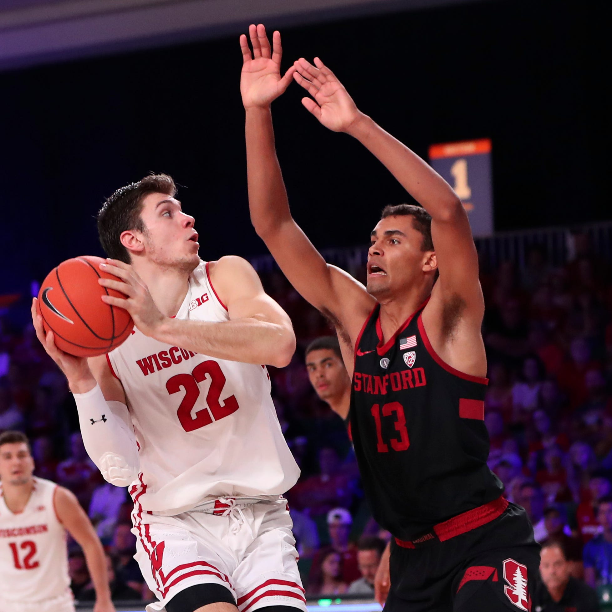 UW 62, Stanford 46: Badgers pull away down the stretch in Battle 4 Atlantis opener