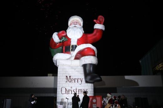 Eye Level Christmas Party 2020 Paramus Big Santa making nostalgic return to Garden State Plaza in Paramus NJ