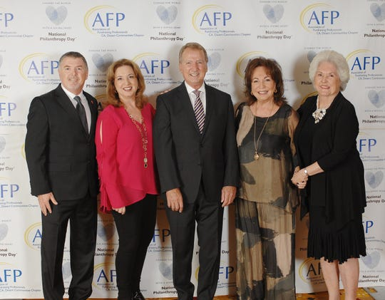 (left to right) Honoree Tim Evans, CFRE, Catharine Reed of the H.N. and Frances C. Berger Foundation, Gary Hall of Wells Fargo, Sherrie Auen of the H.N. and Frances C. Berger Foundation, and Honoree Roberta Klein of READ WITH ME.