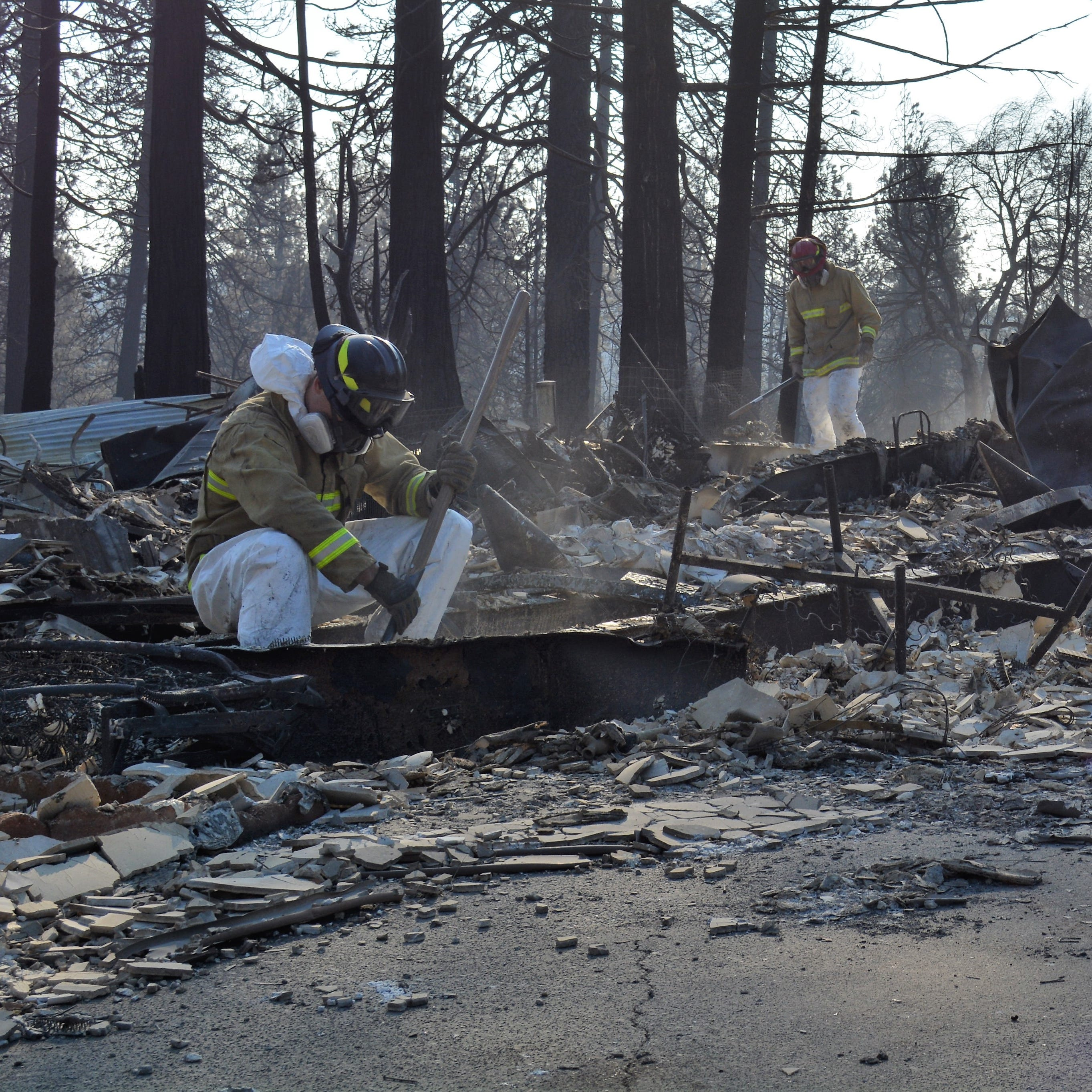 With rain moving in, Camp Fire searchers 'up against the clock' to find remains