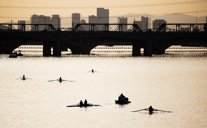 Boaters enjoy Tempe Town Lake in April 2018.