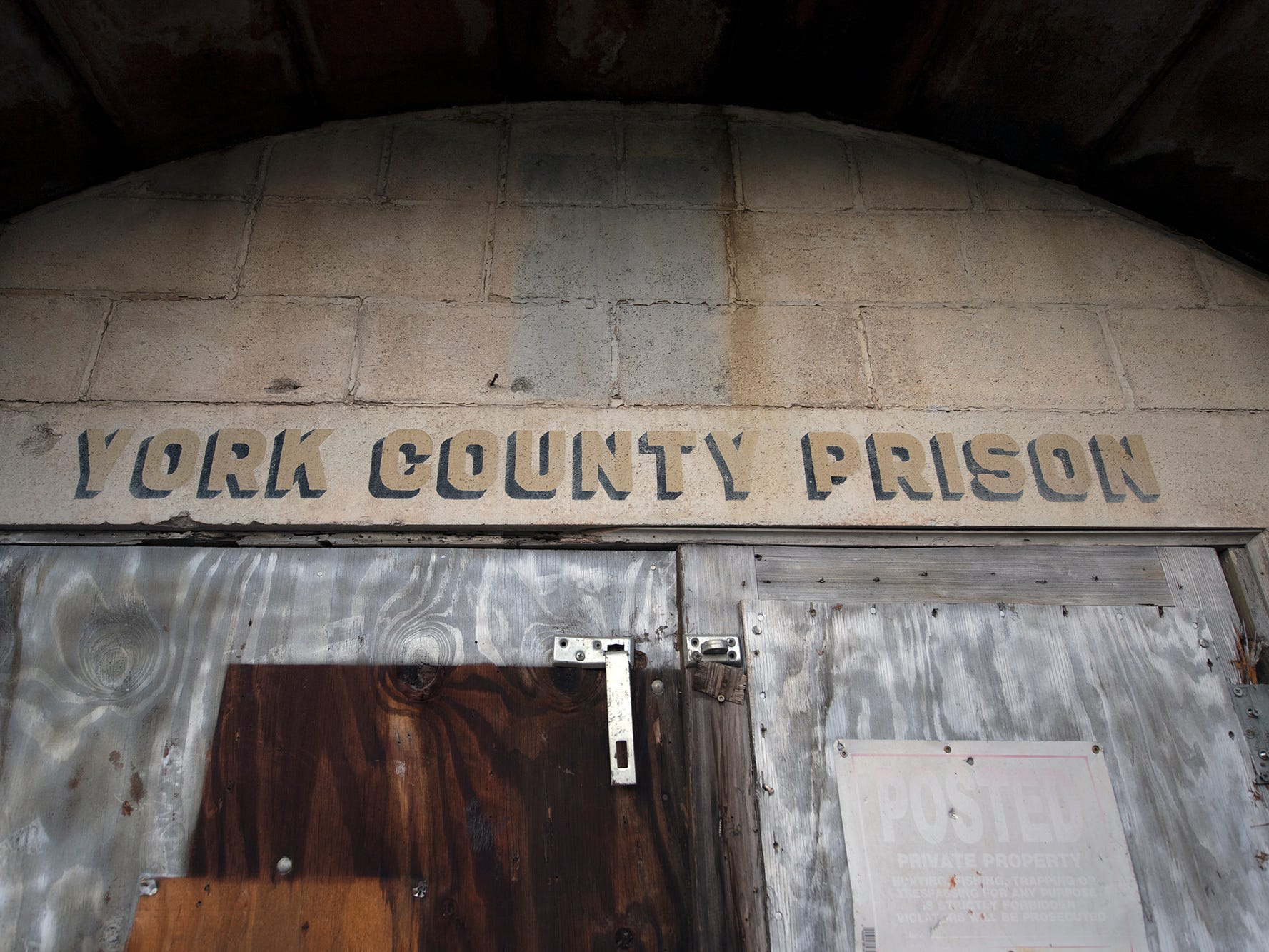 The front entrance still says York County Prison.