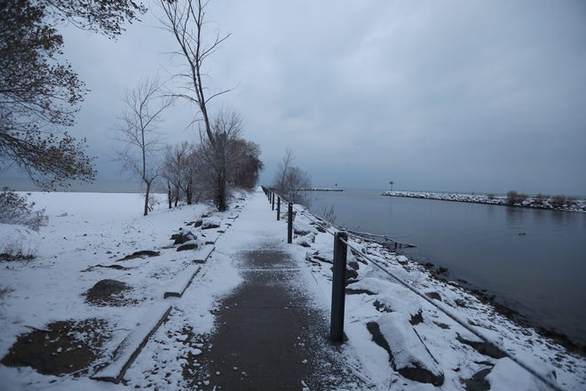 Arctic cold front is moving into the Rochester area Wednesday, Nov. 21, 2018 bringing some snow showers and a snow squall according to the National Weather Service in Buffalo.