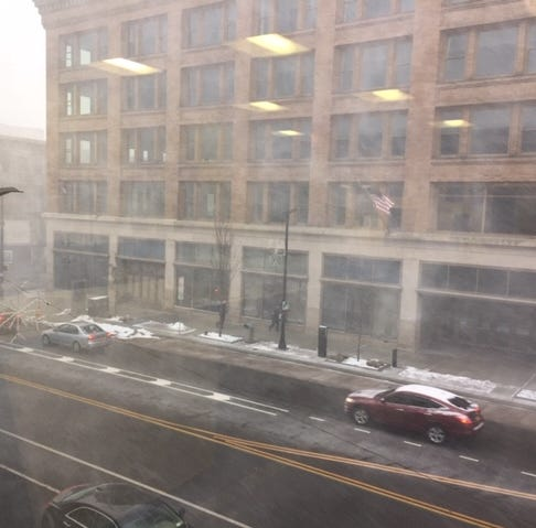 'Dangerous' snow squall blows through Rochester