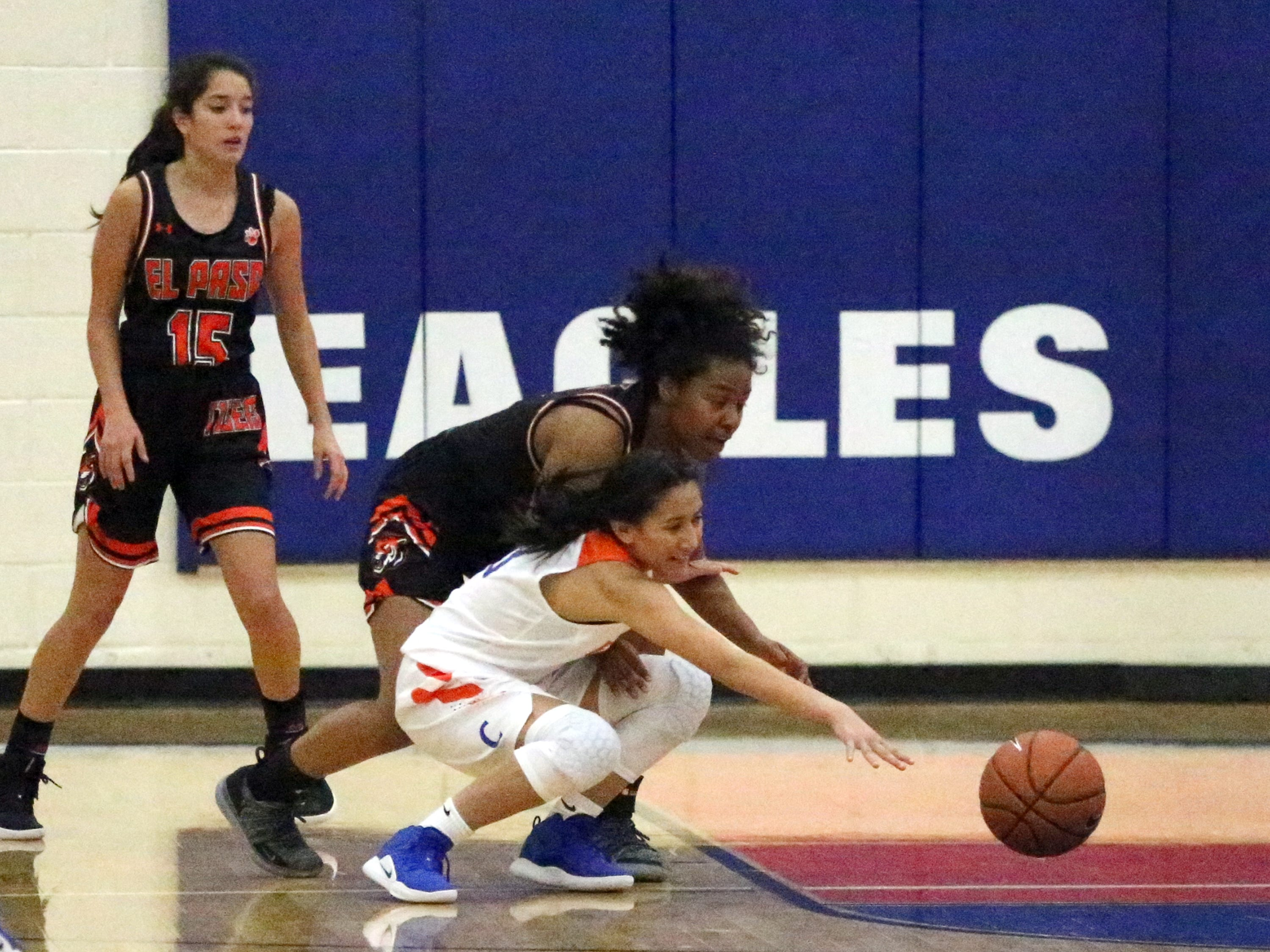 Canutillo girls hosted El Paso High Tuesday night.