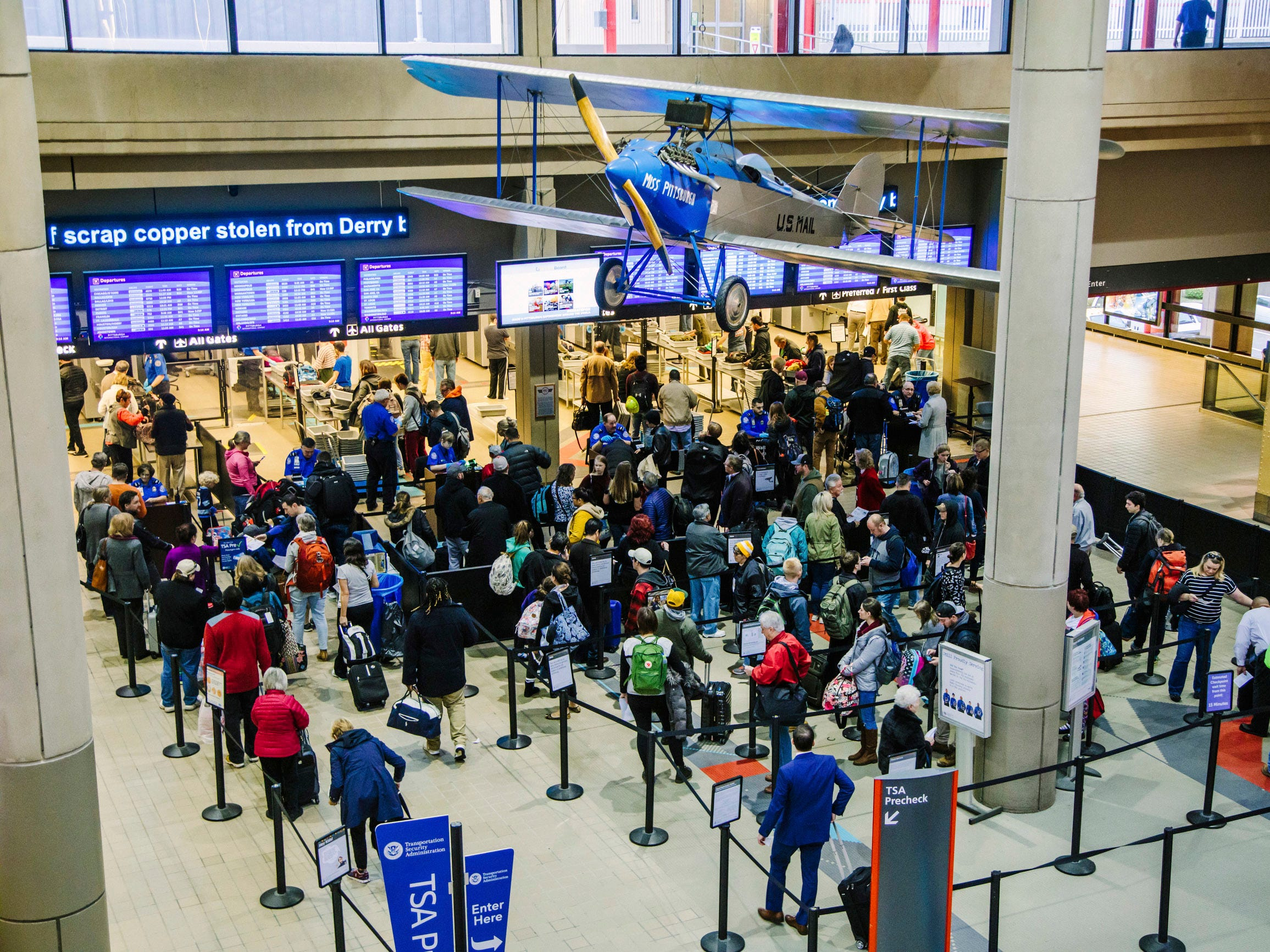 Thanksgiving flights: Busy get-away day now in full swing