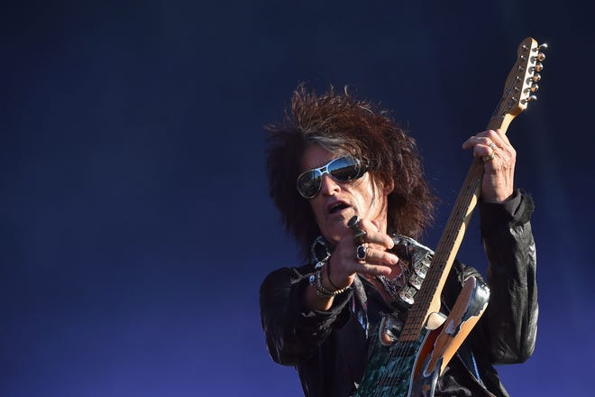 Joe Perry, performing on June 22, 2018, has canceled his fall tour.