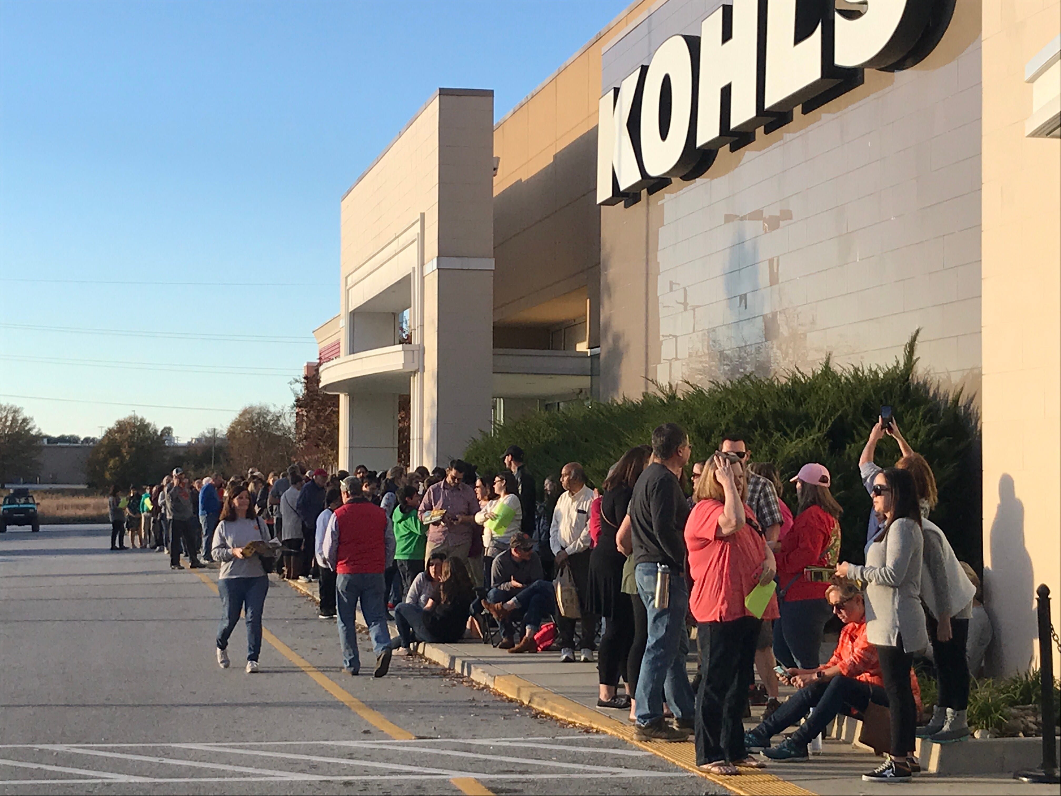Shoppers line up outside Kohl's in Anderson on Thanksgiving Day.