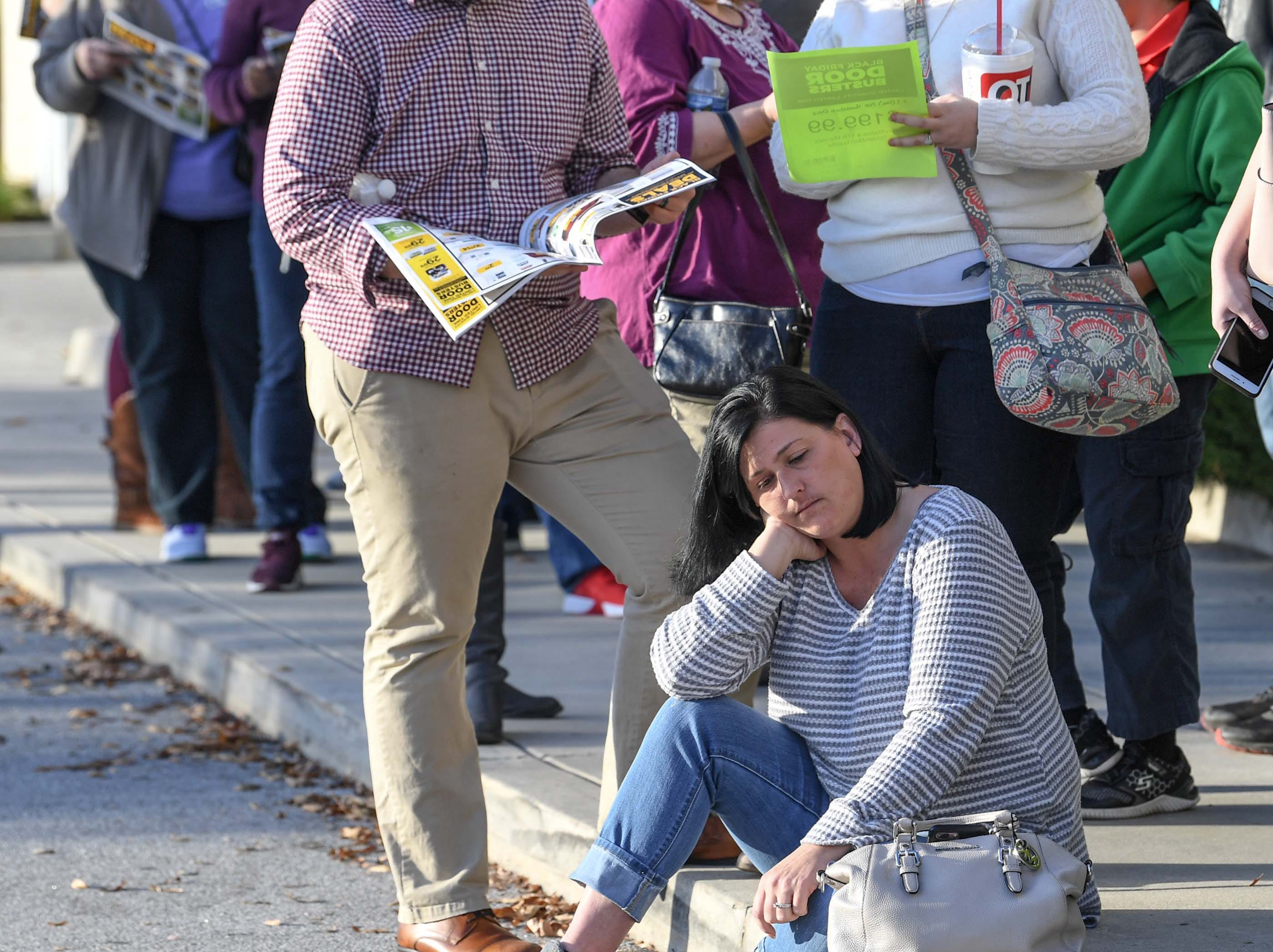 Shae Odom of Easley waits in line for doors to open for Black Friday sales at Kohl's in Anderson on Thanksgiving Day, Thursday, November 22, 2018.