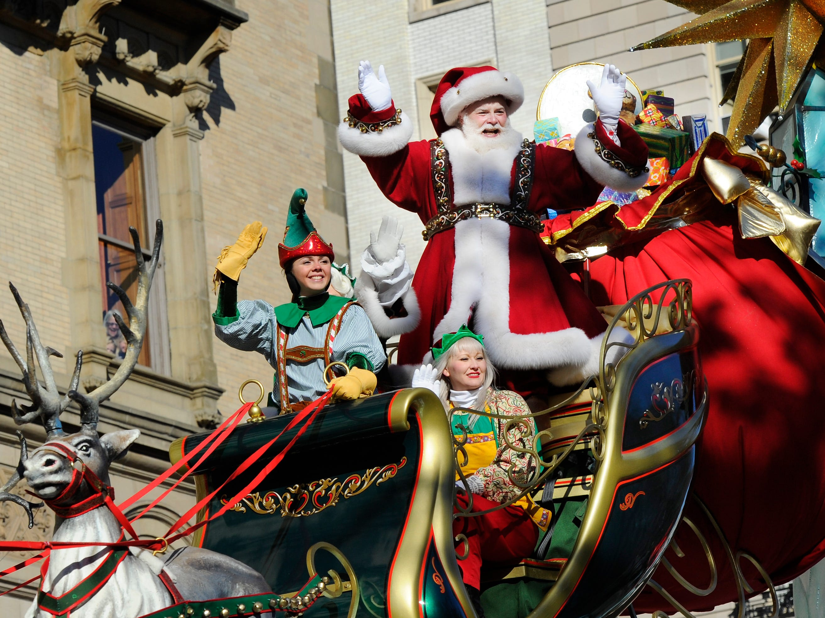 11/28/13 11:56:24 AM -- New York, NY, U.S.A  -- 87th Annual Macy's Thanksgiving Day Parade -- Santa ends the Parade Photo by Robert Deutsch, USA TODAY Staff