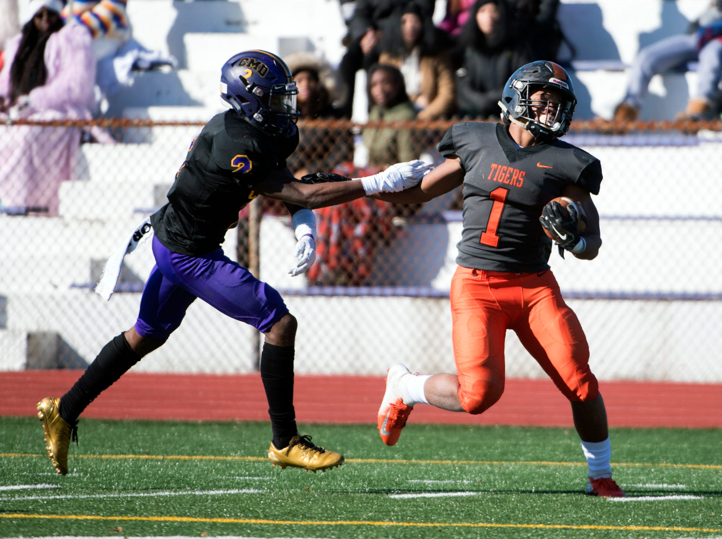 Woodrow Wilson's Muheem McCargo (1) carries the ball for a touchdown during an annual Camden-Woodrow Wilson Thanksgiving game Thursday, Nov. 22, 2018 in Camden, N.J. Camden won 39-28.