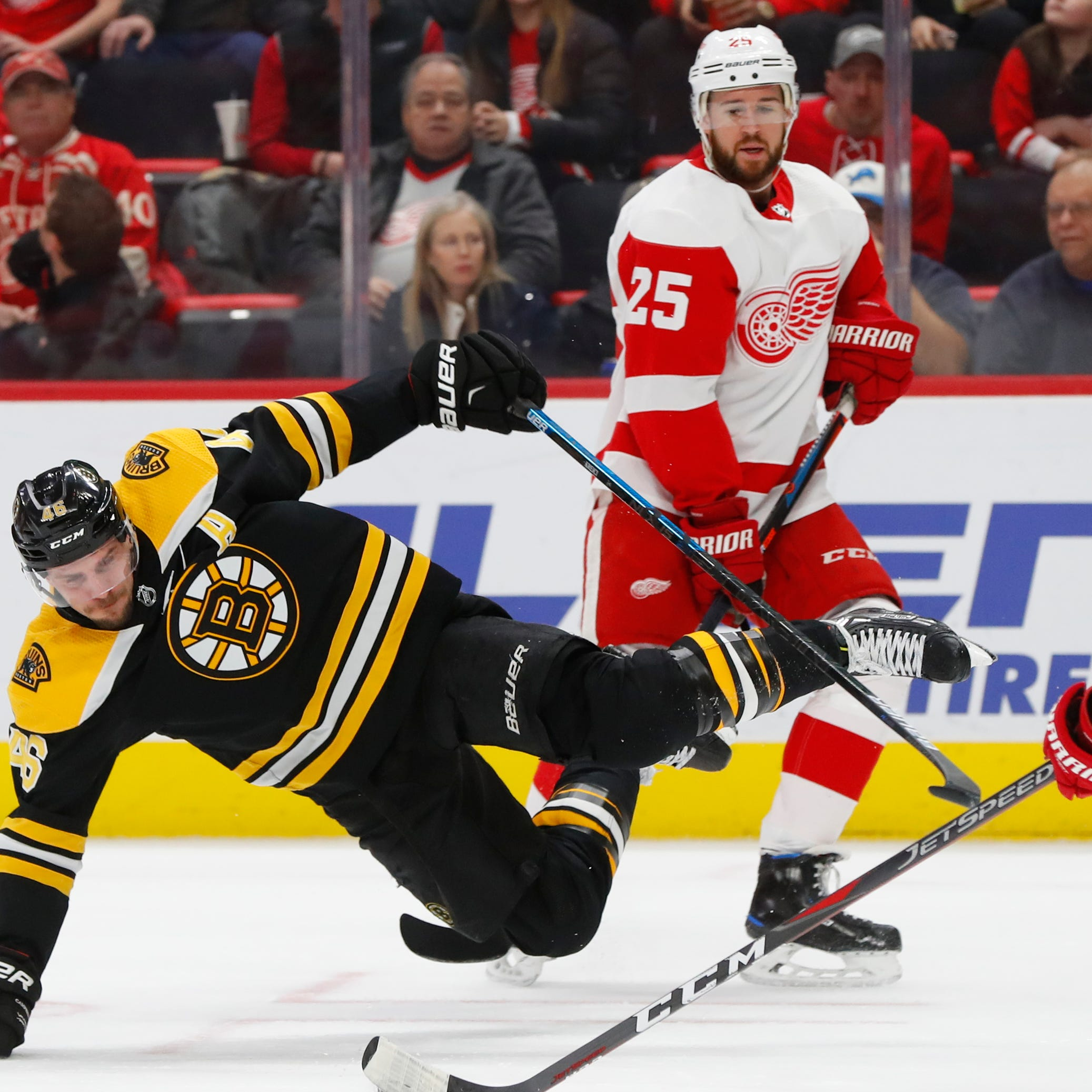 Detroit Red Wings overcome another deficit, beat Boston Bruins in OT, 3-2