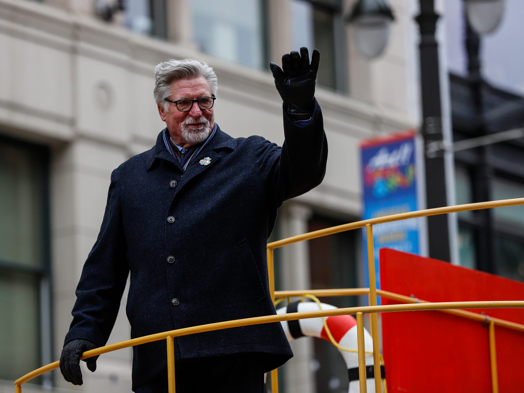 Former Detroit Tigers pitcher Jack Morris waves at the crowd along Woodward Avenue during the 92nd America's Thanksgiving Day Parade in Detroit, Thursday, Nov. 22, 2018.