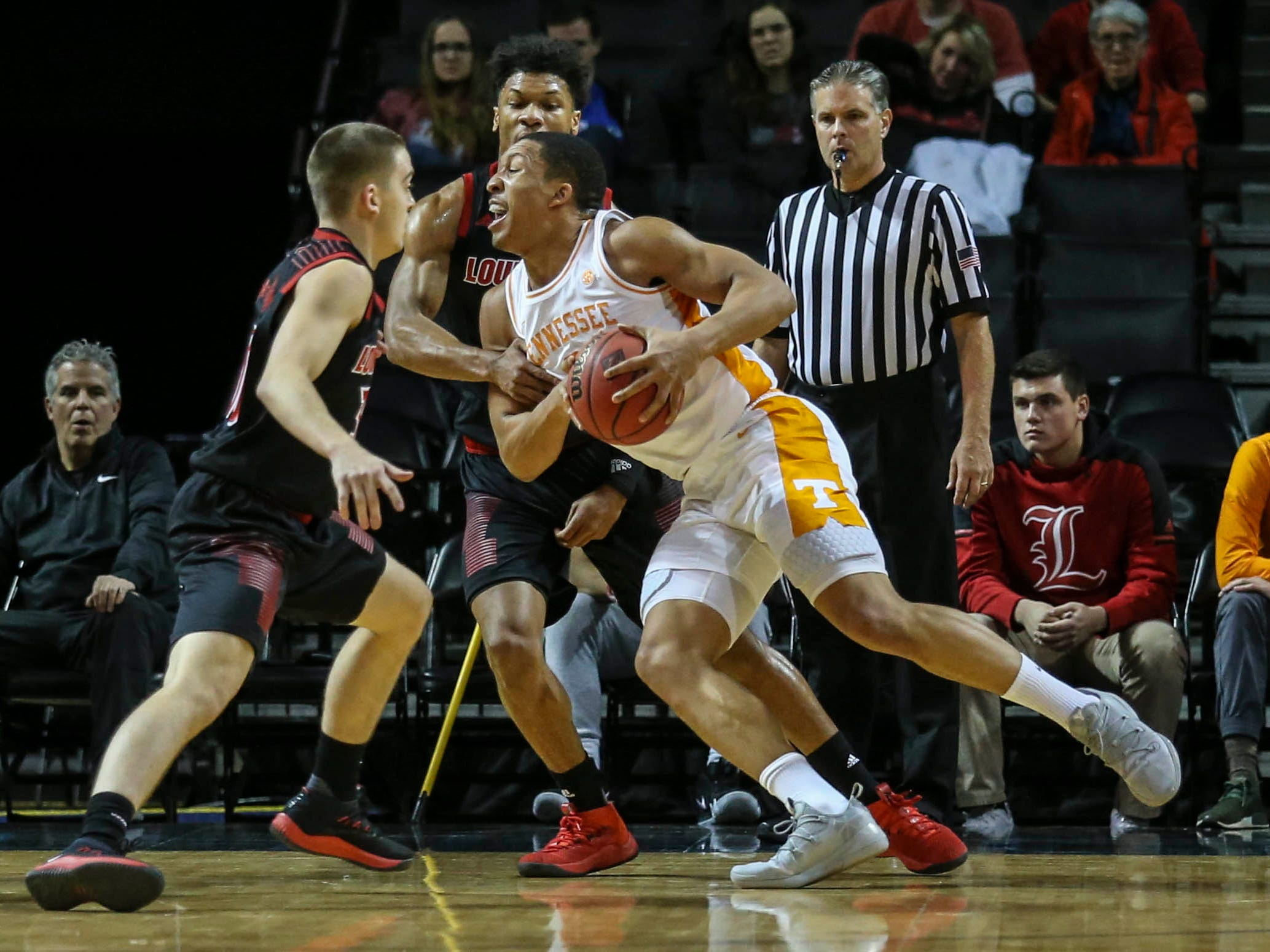 Nov 21, 2018; Brooklyn, NY, USA; Tennessee Volunteers forward Grant Williams (2) drives to the basket in the first half against the Louisville Cardinals during the NIT Tip Off at Barclays Center. Mandatory Credit: Wendell Cruz-USA TODAY Sports
