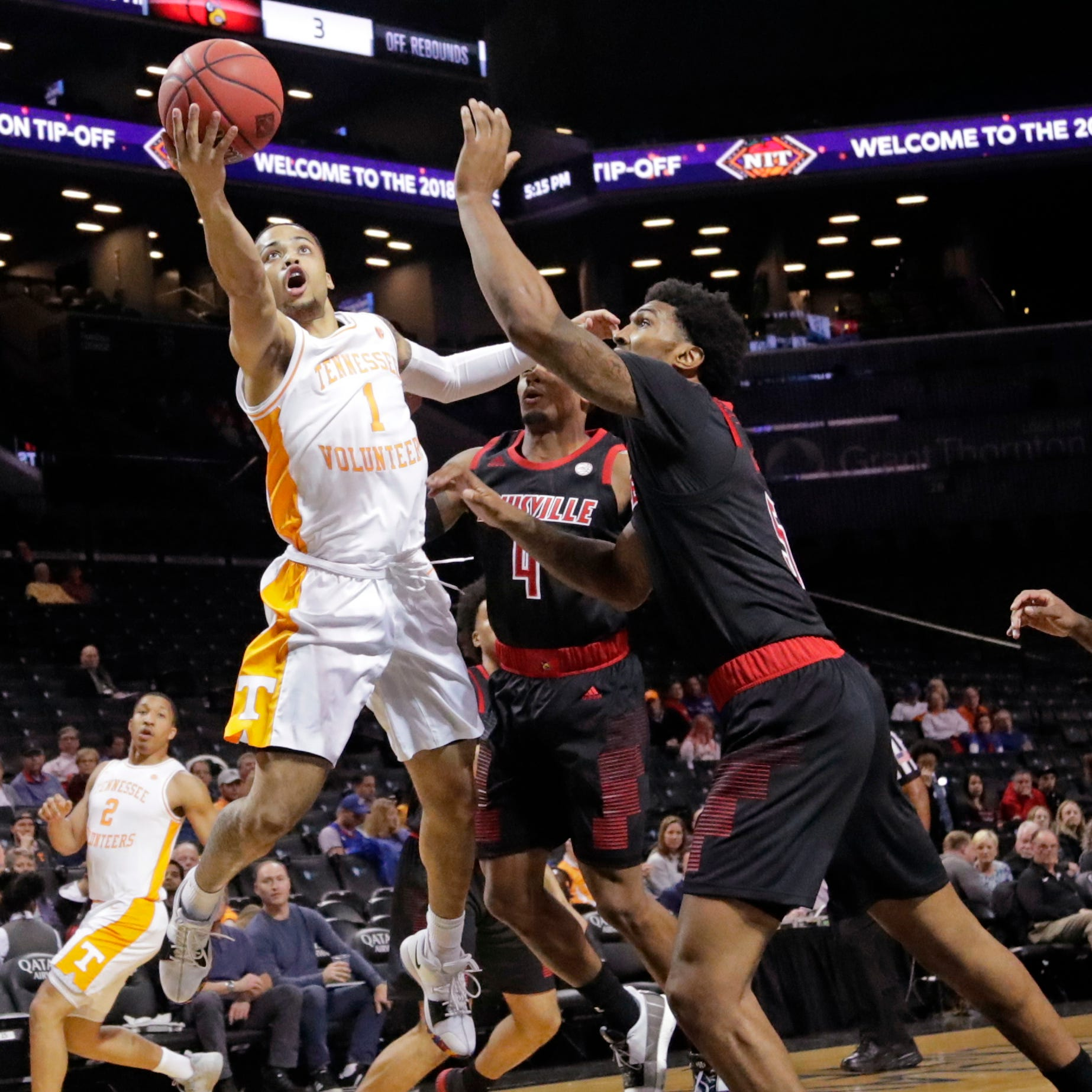 Lamonte Turner sparks UT Vols basketball in clutch season debut against Louisville