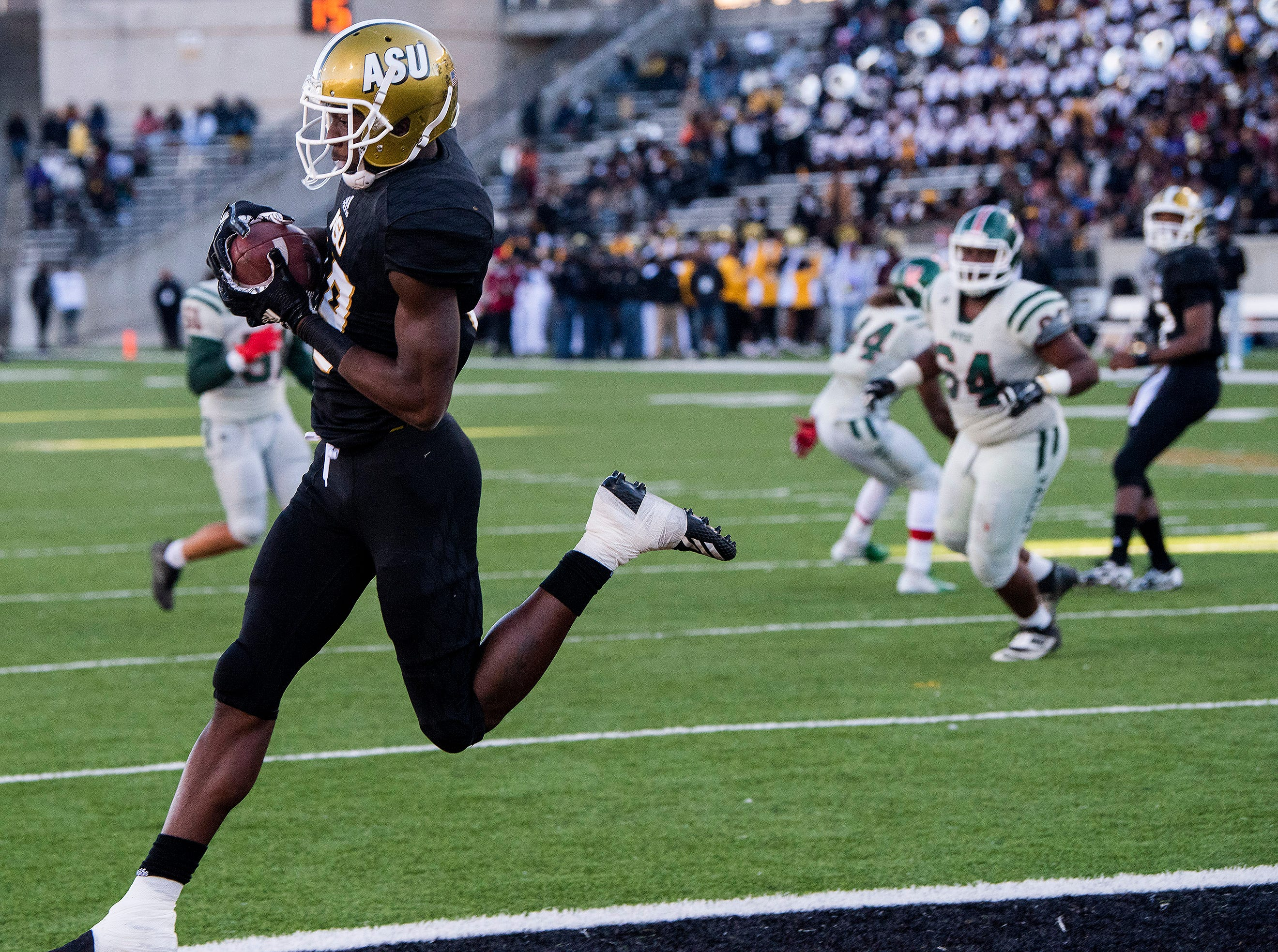 Alabama State University wide receiver Michael Jefferson (19)  catches a touchdown pass against Mississippi Valley State in first half action of the Turkey Day Classic at Hornet Stadium on the ASU campus in Montgomery, Ala., on Thanksgiving Day, Thursday November 22, 2018.