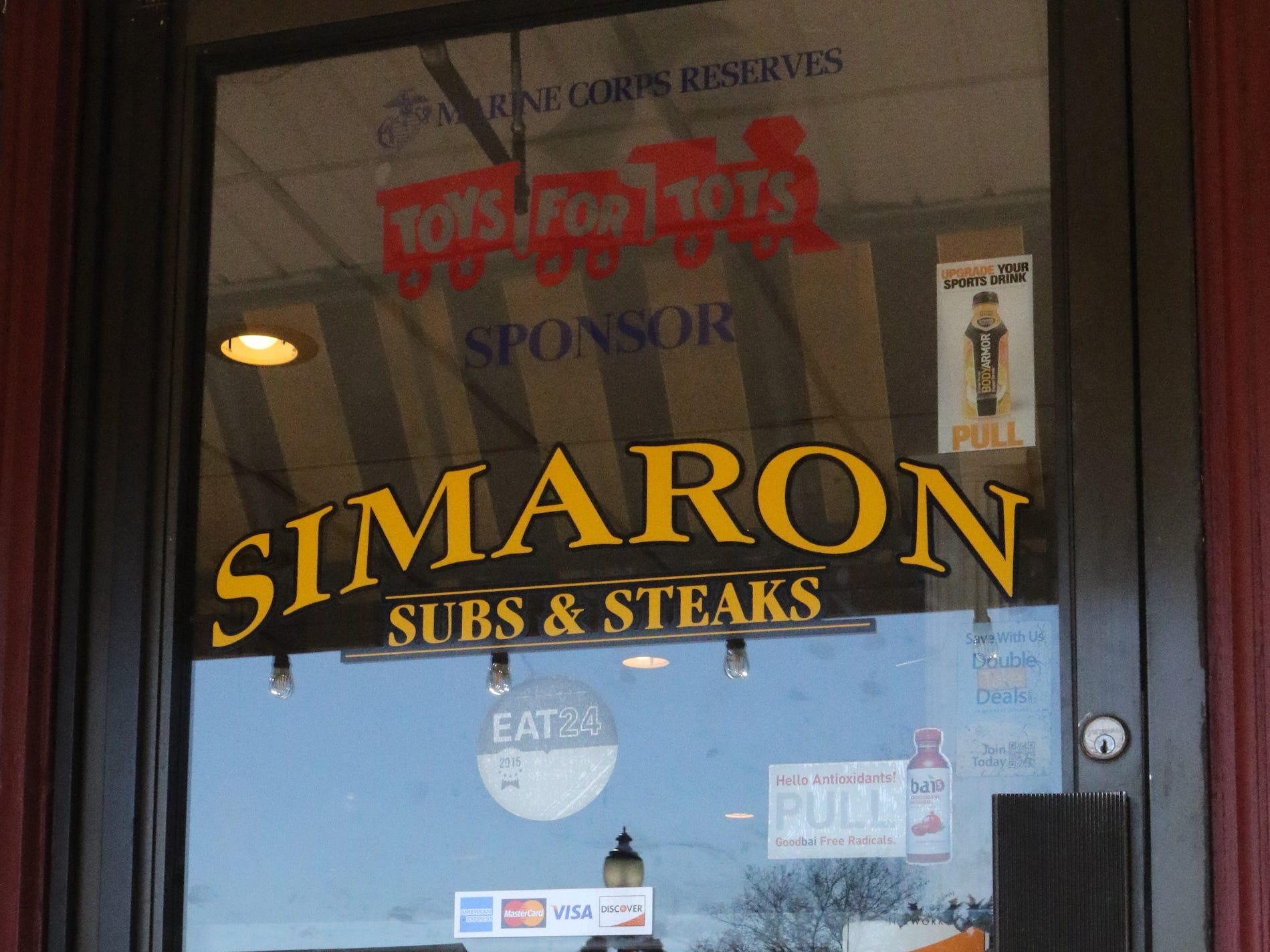 Simaron Pizza & Steak Shop owner Edmound Yousef Khanian pened up his Dover restaurant on Thanksgiving Day to feed those who couldn't afford dinner or who were alone on the holiday.