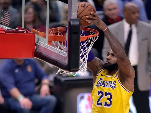ae3de96eb LeBron James injury  Lakers star escapes scare with good news on MRI