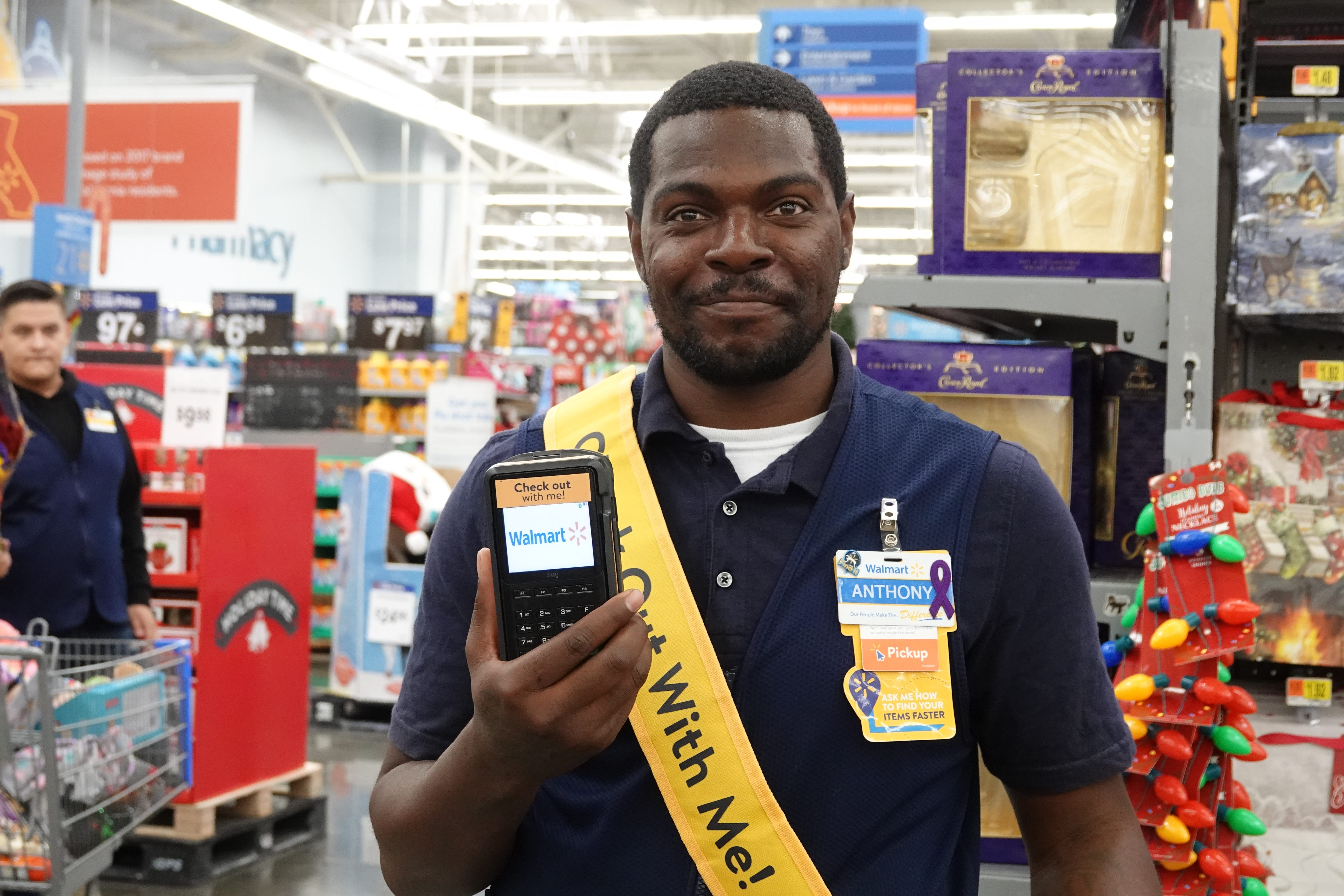 Walmart looks to app to speed up checkout process for the holidays  Hands  on at Walmart