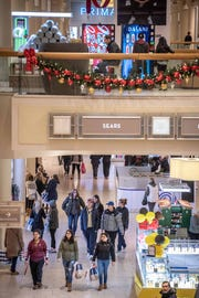 11/23/18- Black Friday starts at 6am at The Freehold Raceway Mall. Photo/James J. Connolly/Correspondent