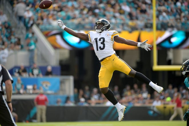 Pittsburgh Steelers wide receiver James Washington (13) misses a pass during the first half against the Jacksonville Jaguars on Sunday, Nov. 18, 2018, in Jacksonville, Fla.
