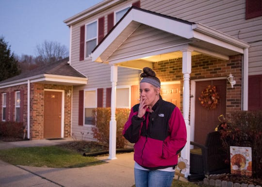 After being more than 100 days sober, Elizabeth Sanders spends the Thanksgiving holiday with her sons Elias and Draevyn and tries to rebuild her life three months after the unplanned birth of her youngest son at a local Chillicothe Burger King made international news.