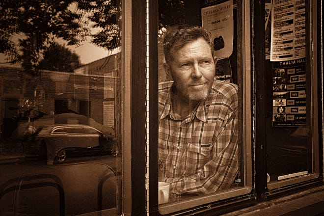 Singer-songwriter Robbie Fulks will perform in concert at the White Gull Inn in Fish Creek Dec. 5.