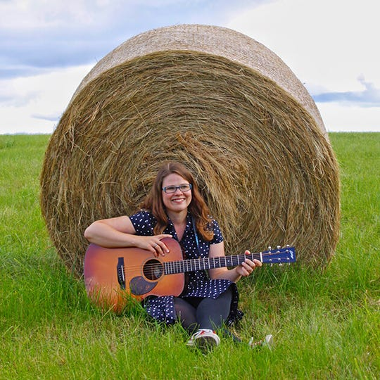 Katie Dahl andthe Unitarian Universalist Fellowship of Door County will host Sit Around Singing.