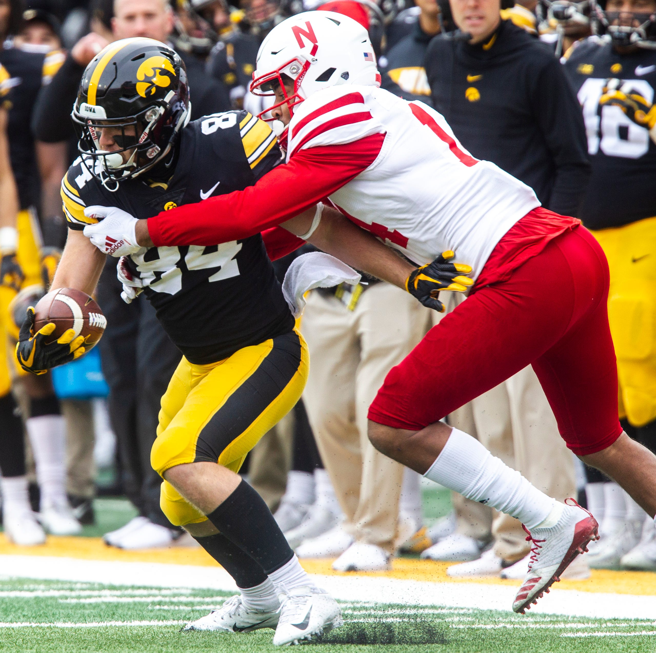 Former Hawkeyes Nick Easley, Ross Reynolds sign priority free-agent deals