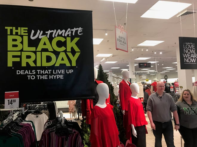 Holiday shoppers at Lansing Mall on Black Friday.
