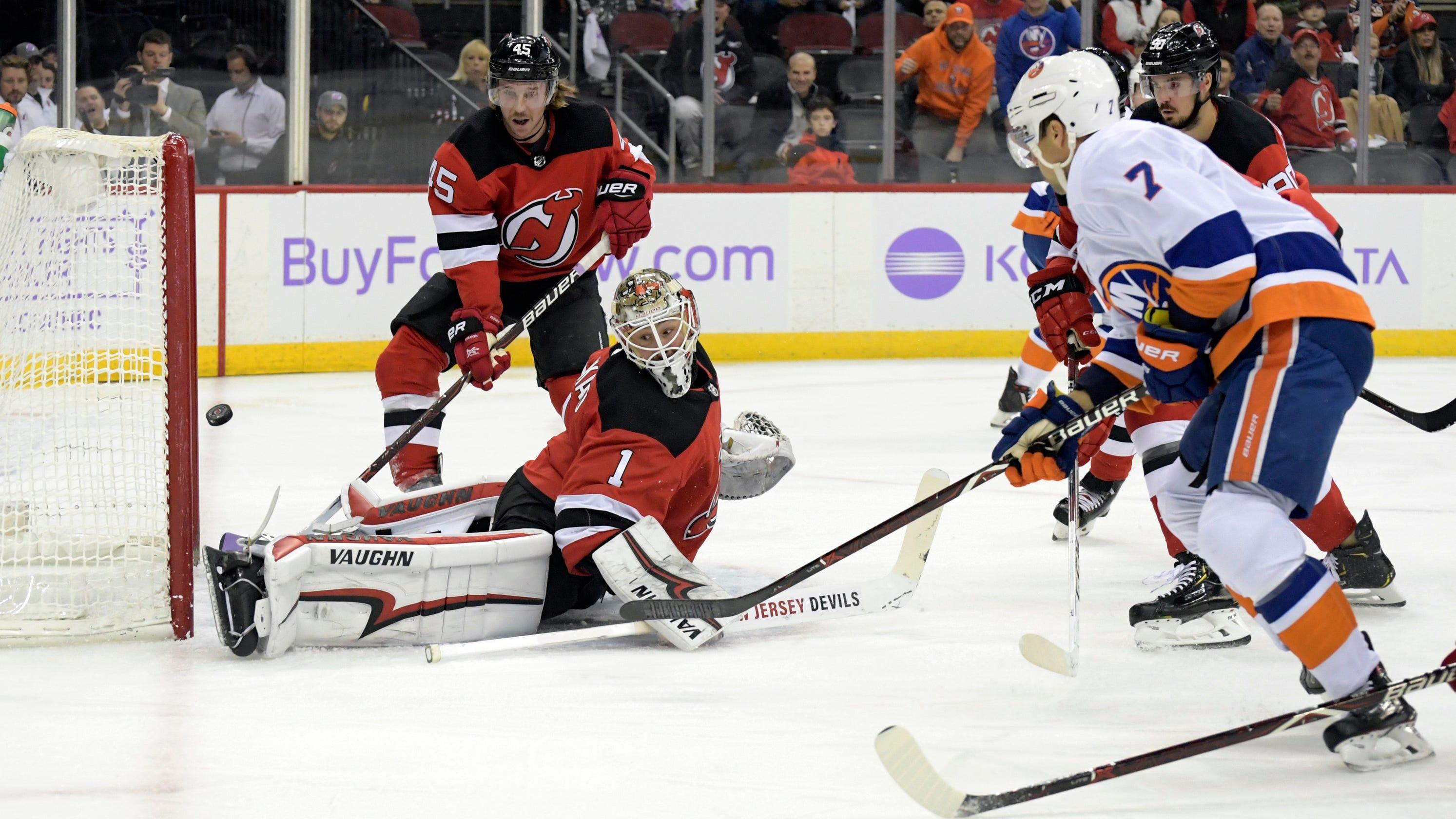 ca61e121226 Marcus Johansson helps Devils earn point in 4-3 OT loss to Islanders