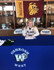 Lauren Singstock signed her letter of intent to play at the University of Minnesota-Duluth.