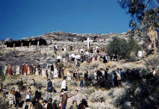 Easter sunrise service before the construction of Inspiration Point at the Desert Inn and the O'Donnell House's hillside.